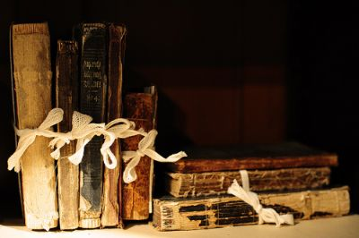 Old Books, by Mannequin